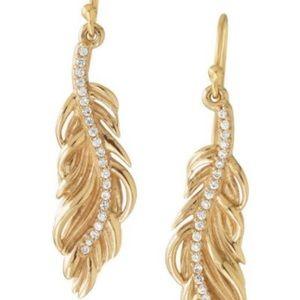 Stella and dot gold leaf earrings